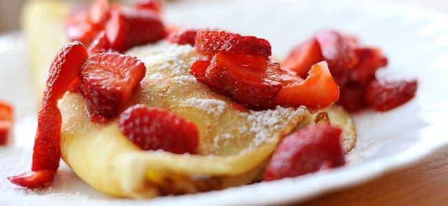 crepes mit nutella und erdbeeren